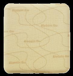 Biatain® Ibu is een zacht en flexibel absorberend schuimverband met ibuprofen.